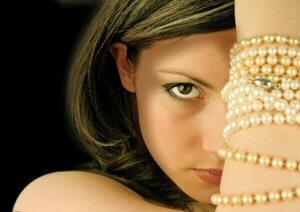 Modeschmuck: Strass-, Zirkonia-, Ketten- und Silber-Modeschmuck
