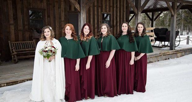 Planen Sie eine Hochzeit im Winter? Finden Sie das passende Brautkleid für die Saison mit spitzen Ärmeln, einen warmem Boreo und vielen mehr …