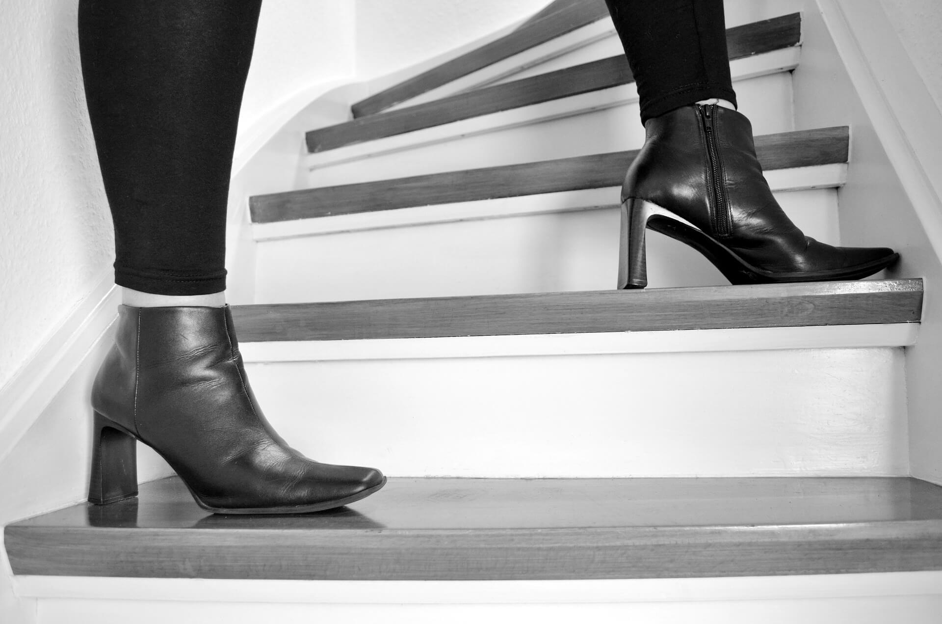 stairs-921252_1920