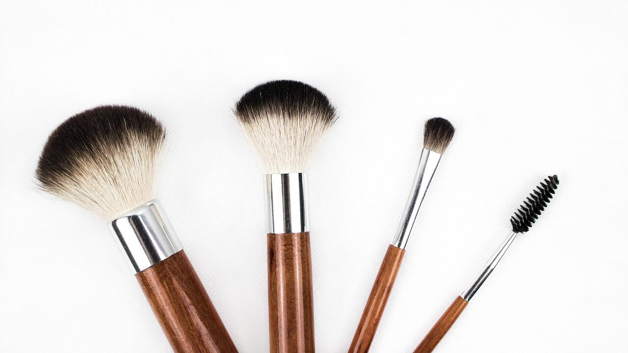 makeup-brush-1746322_1280